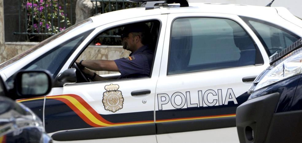 Un aparcacoches asesta varias puñaladas a un hombre que se negó a darle propina