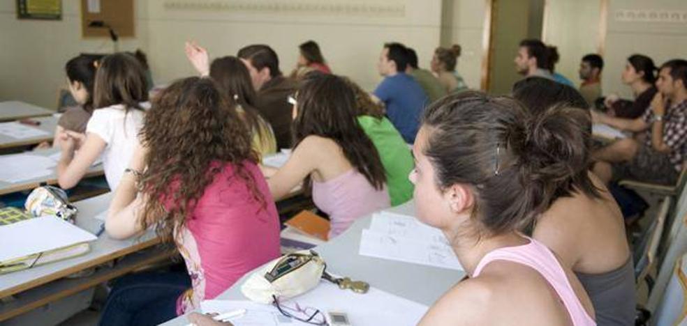 El PSOE valora que la nueva convocatoria de la Beca 6000 podrá beneficiar a otros mil estudiantes de la provincia