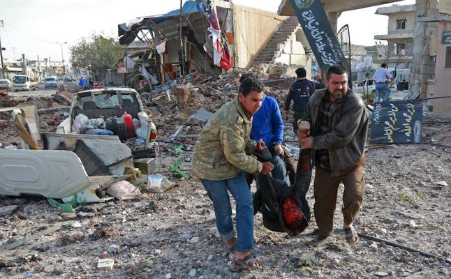Más de 60 muertos por los bombardeos a un mercado en la provincia de Alepo