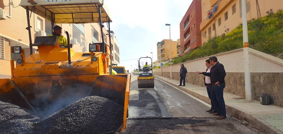 Una nueva red de suministro resolverá la falta de presión en el barrio de Santiago de Viator