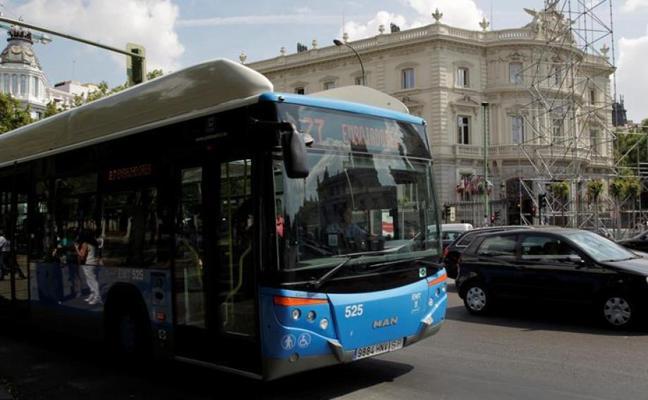 """El duro momento de un conductor de autobús: """"Mi padre ha muerto, bajen del autobús por favor"""""""