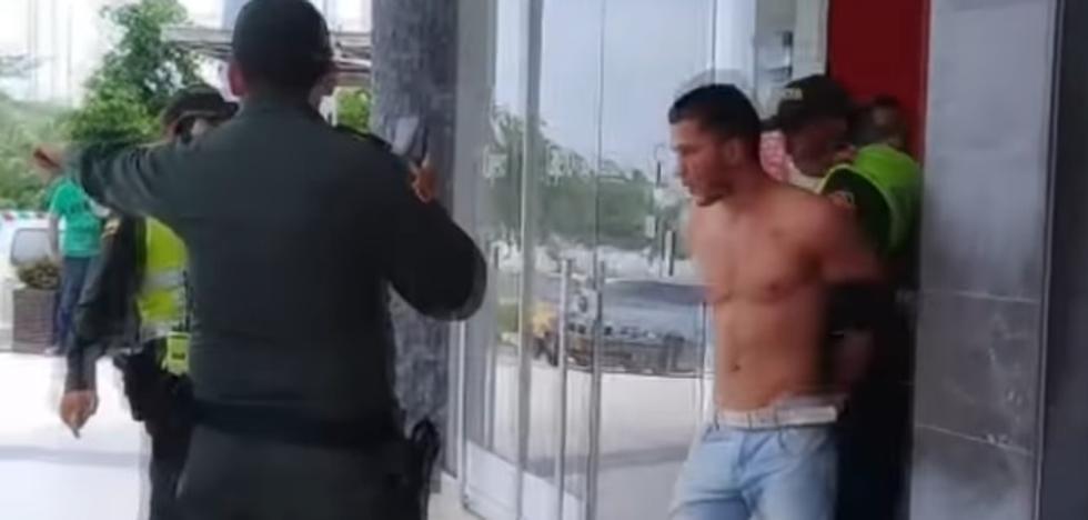 """Cristian, el """"sexy"""" ladrón de un banco que ha conquistado al público"""