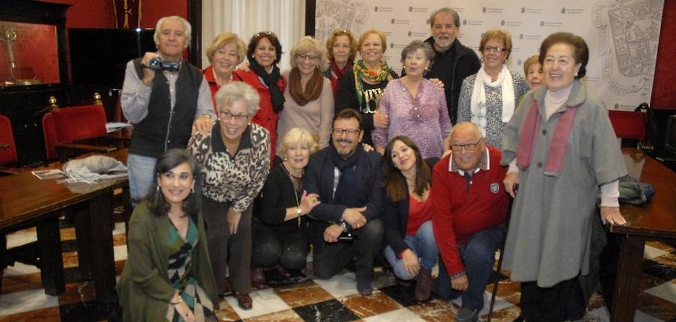 """Un proyecto piloto convierte en """"cineastas"""" a mayores de Granada, que crean su primer corto"""