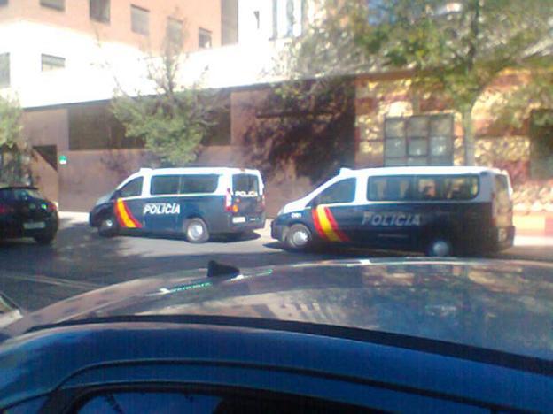 Detenidos tres chicos por agredir a la polic a en los for Juzgado de guadix