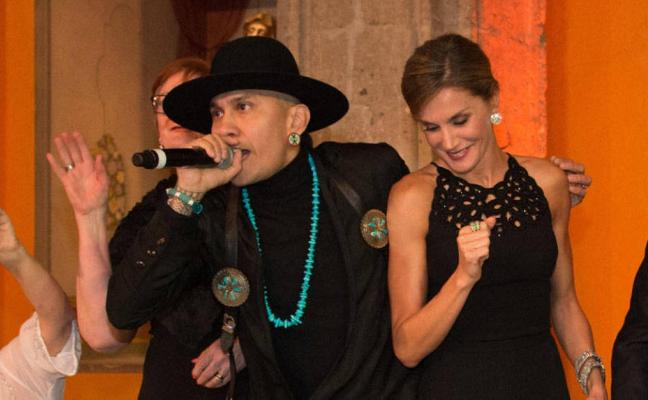 La reina Letizia 'salta' en plena actuación de The Black Eyed Peas