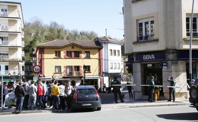 La época de los atracos a bancos en España: «He llegado a tener 5 en una mañana»
