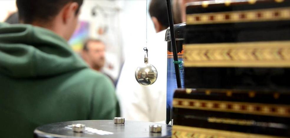 La belleza de experimentar con ciencia en Granada
