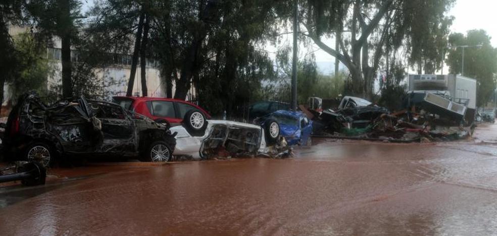 Lluvias torrenciales dejan en Grecia al menos 15 muertos y enormes daños