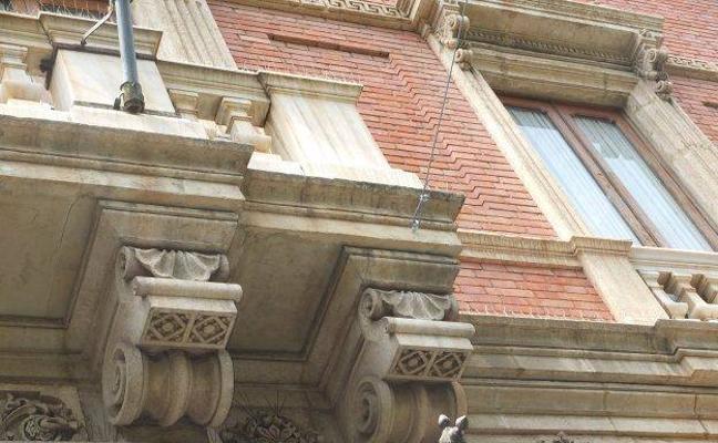 El fiscal acusa a dos personas por el 'taladrazo' en La Alcazaba y pide una multa de 5.400 euros
