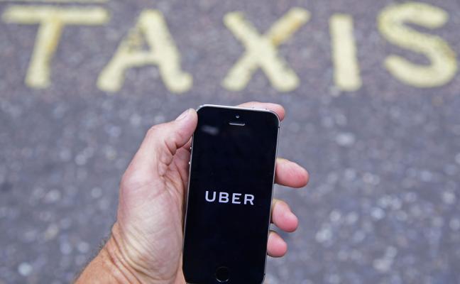 La batalla entre el taxi y Uber continúa: el Supremo empieza a dar licencias VTC