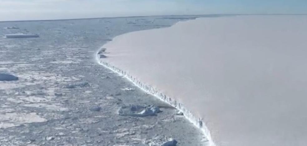 El asombroso vídeo del iceberg gigante A68 adentrándose en mar abierto