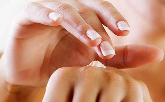 Cómo poner remedio a las grietas de tus manos por el frío