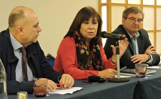 """Narbona: """"La Constitución necesita algunos cambios para garantizar mejor la democracia"""""""