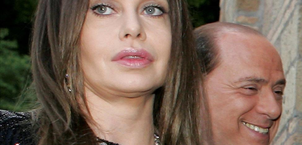 La ex de Berlusconi, obligada a darle 60 millones de euros