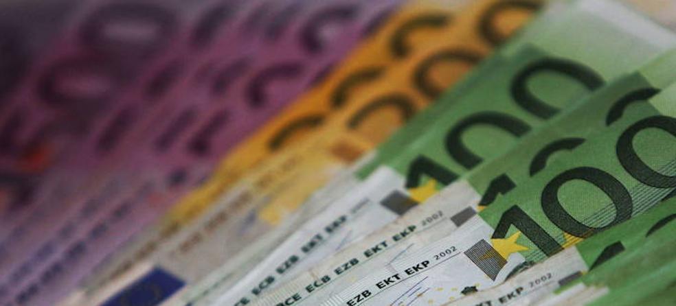 Lo raptan para cobrarle una deuda de 25.000 euros y le piden 25.000 más por las «molestias» de secuestrarlo