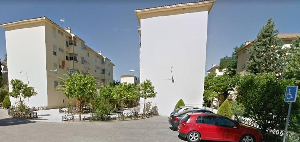La Junta invierte cerca de 150.000 euros en rehabilitar 30 viviendas de Linares para mejorar su accesibilidad