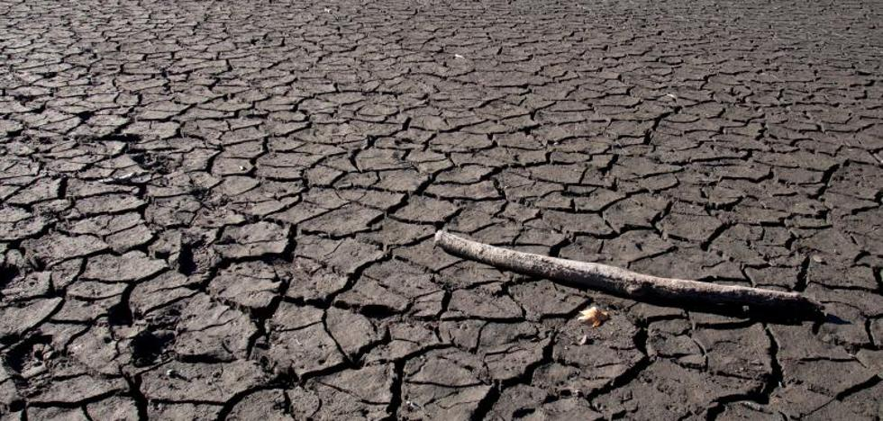 Tejerina garantiza el abastecimiento de agua hasta final de año