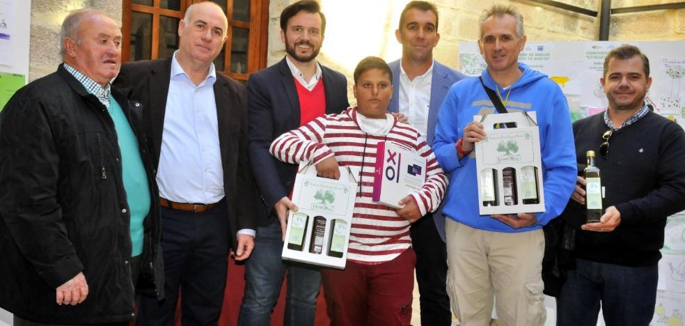 Luis Gabriel Muñoz, del CEPR Los Arrayanes, gana el concurso 'Etiqueta Tu Aceite'