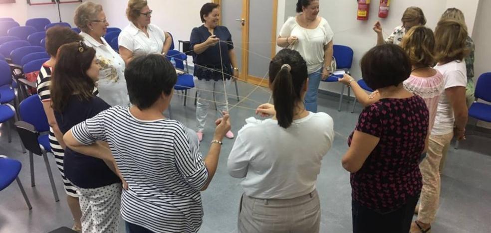 Aprender juntas estrategias para mejorar habilidades sociales y ganar en autoestima