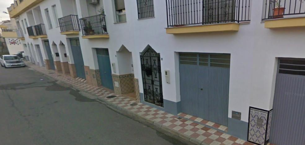 Herido un chico de 23 años en el incendio de un garaje en Albolote
