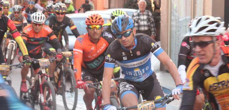 Fallece un ciclista de 50 años de un infarto en La Desértica