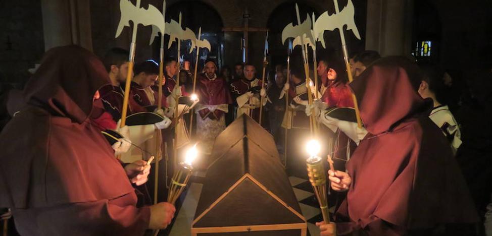 Mengíbar revive el camino del cortejo fúnebre de la reina Isabel la Católica