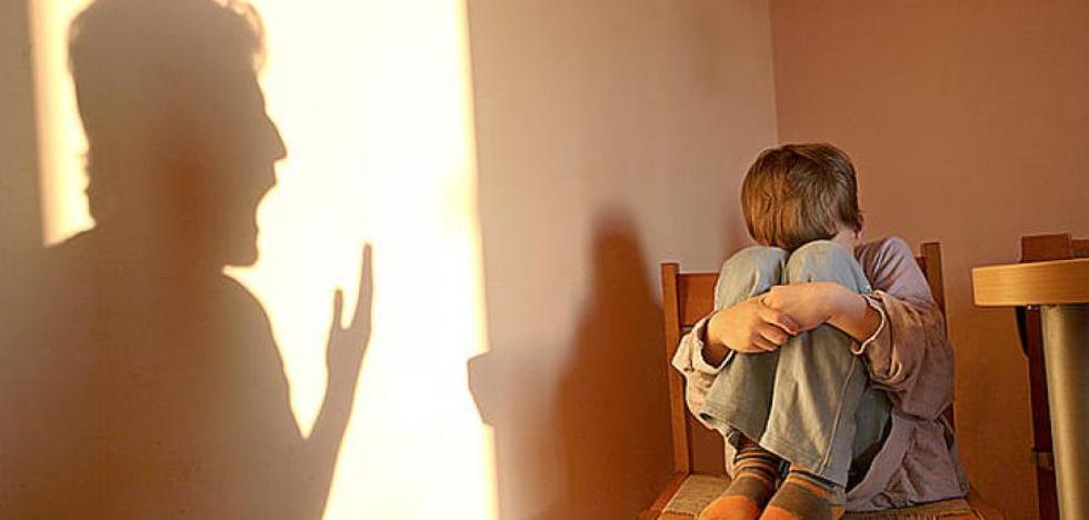 Mes y medio de cárcel y año y medio de alejamiento por dar una bofetada a su hijo en Jaén