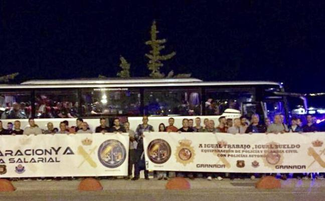 Policías nacionales de Granada marchan a Madrid para pedir igualdad salarial con Mossos y Ertzaintza