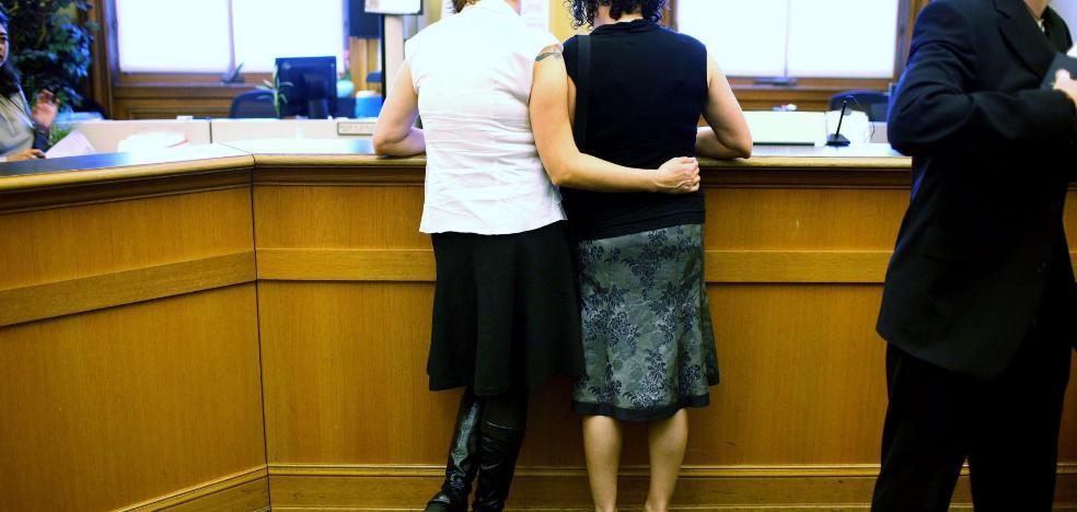Dos lesbianas que no querían ser 'el novio y la novia'