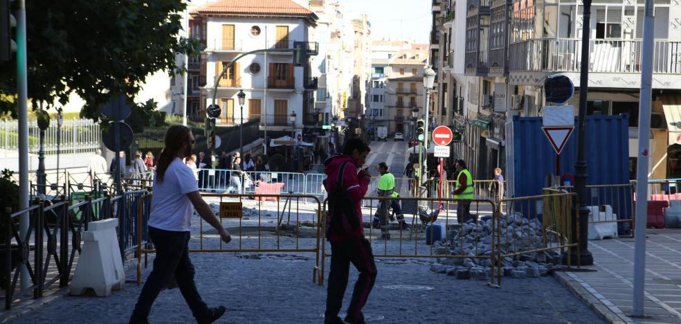 Comerciantes de La Carrera se unen para iluminar y dinamizar la calle de cara a la Navidad