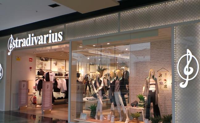 Los trajes de fiesta de Stradivarius por menos de 30 euros para Black Friday y Navidad