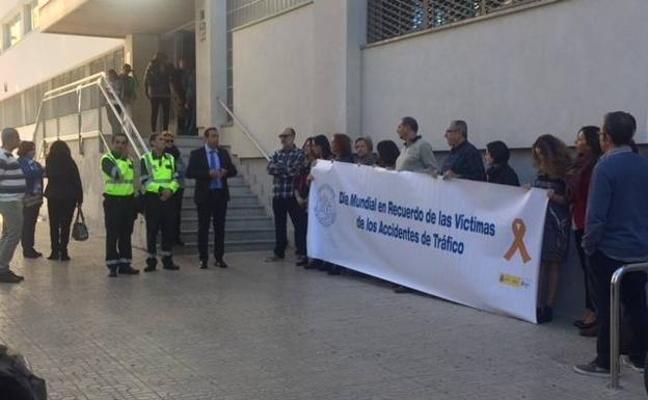 Recuerdo de las víctimas de accidentes de tráfico en Almería