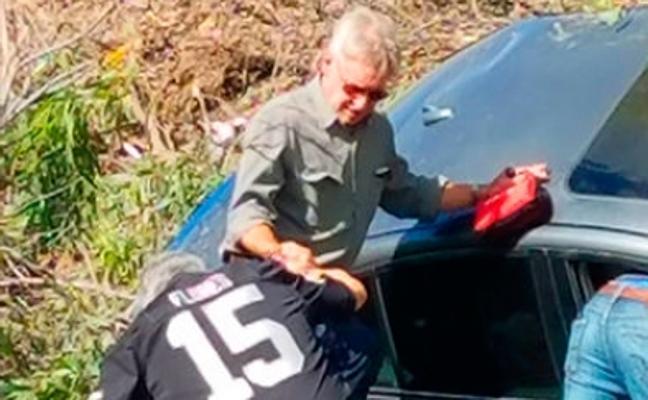 Harrison Ford rescata a una mujer atrapada en su coche tras un accidente de tráfico