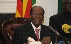 Mugabe cede a las presiones del Ejército y dimite como presidente de Zimbabue