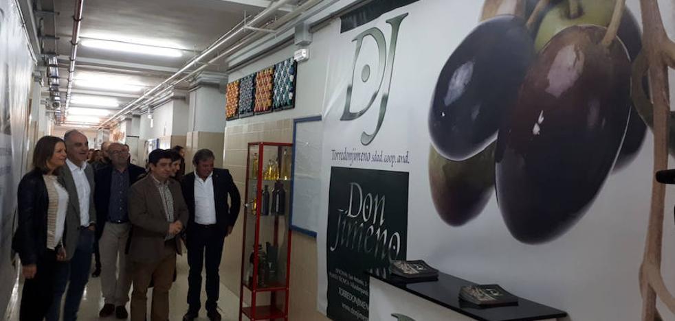 Reyes defiende que los jienenses deben consumir aceite de oliva por convicción y no por tradición