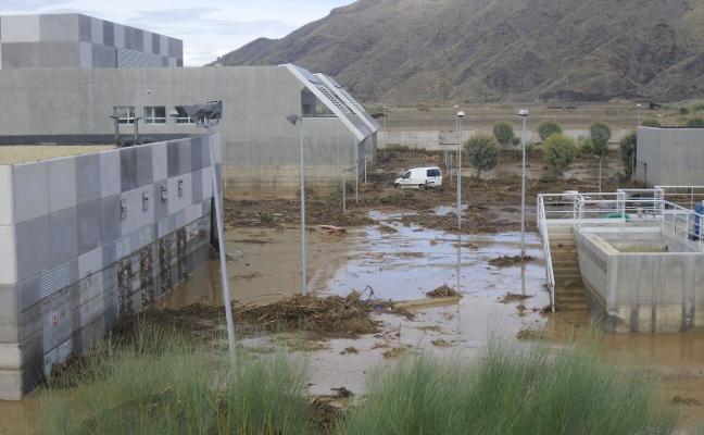 La desaladora del Bajo Almanzora no dará agua para los regantes en menos de dos años y medio