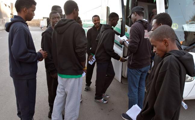 Trasladan a más de medio centenar de inmigrantes a la cárcel de Archidona