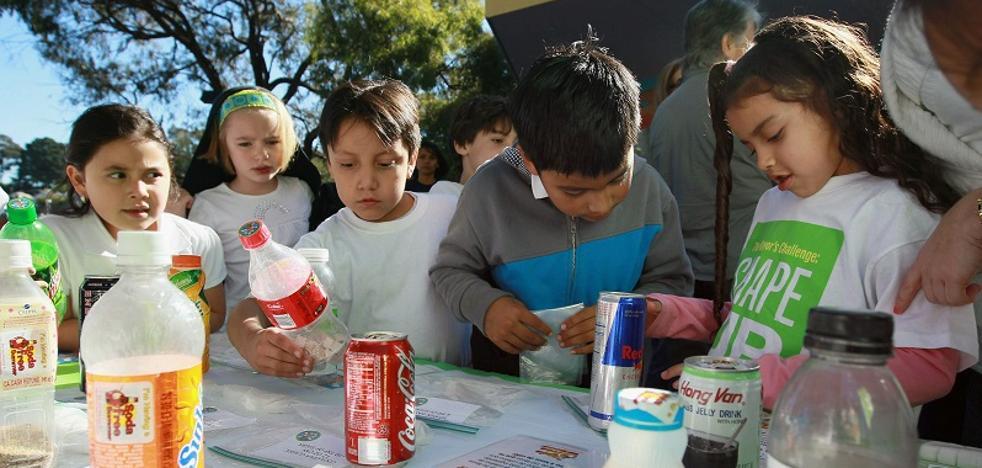 Sanidad acuerda con la industria reducir hasta un 10 % los azúcares añadidos