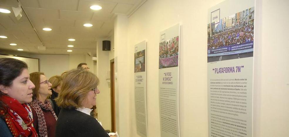 Una muestra repasa en Granada la lucha de movimientos feministas de todo el mundo