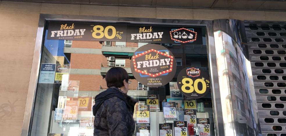 El 'Black Friday' tira los precios en Granada con rebajas de hasta el 80%