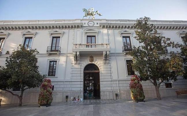 La lista de las 69 plazas de empleo público convocadas por el Ayuntamiento de Granada