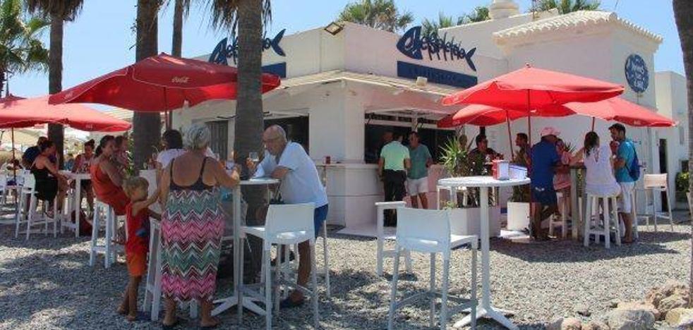 Los dueños de los chiringuitos no ven posible su adaptación este verano como quiere Playas