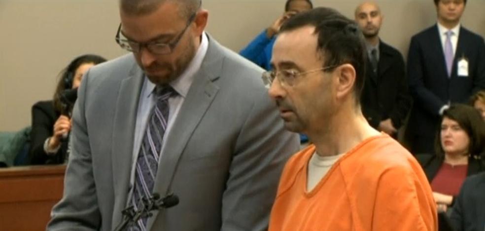 """El """"monstruoso"""" médico del equipo de gimnasia de EE.UU. reconoce que abusó de 125 alumnas"""