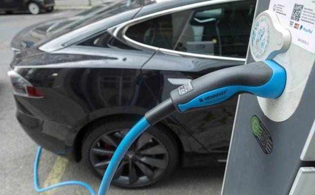 Filtran una carta de los sindicatos pidiendo al gobierno que retrase el coche eléctrico