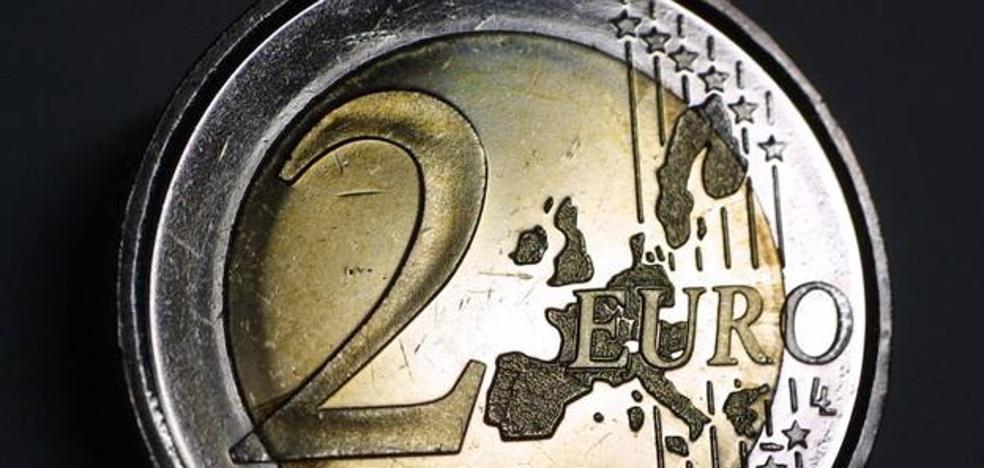 Mira bien tus monedas de 2 euros: la Guardia Civil te avisa de una importante estafa
