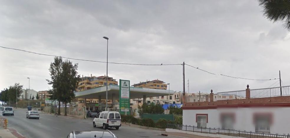 Muere una mujer de 33 años en un accidente de moto al lado de una gasolinera 24 horas