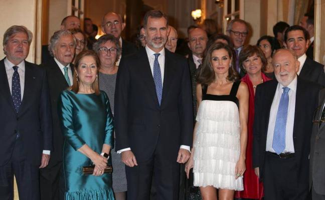 El vestido mini años 20 de la Reina Letizia que encanta a muchas mujeres