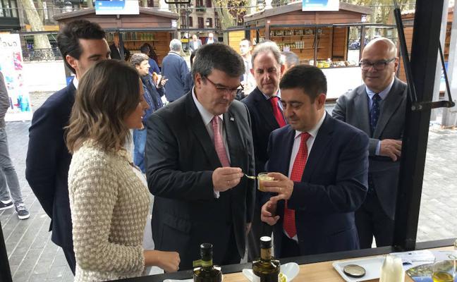 El oro verde inunda Bilbao durante la Fiesta del Primer Aceite