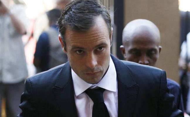 Pistorius, condenado al doble de pena, 13 años, por asesinar a su novia