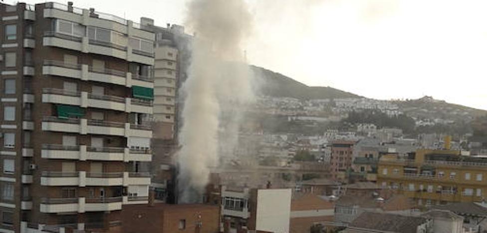 Las llamas destruyen 25 de los 35 pisos del bloque incendiado en San Juan de Letrán